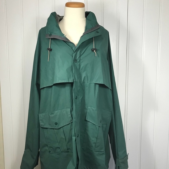 95a3e638d81 L.L. Bean Other - LL Bean green rain jacket men s XL